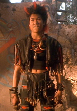 Rufio confronts Peter Banning